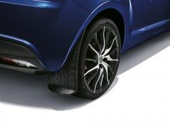 Paraspruzzi posteriori con grafica battistrada per Alfa Romeo Mito